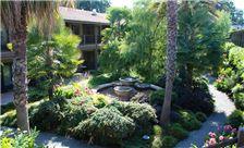 El Pueblo Inn - Hotel Exterior Garden